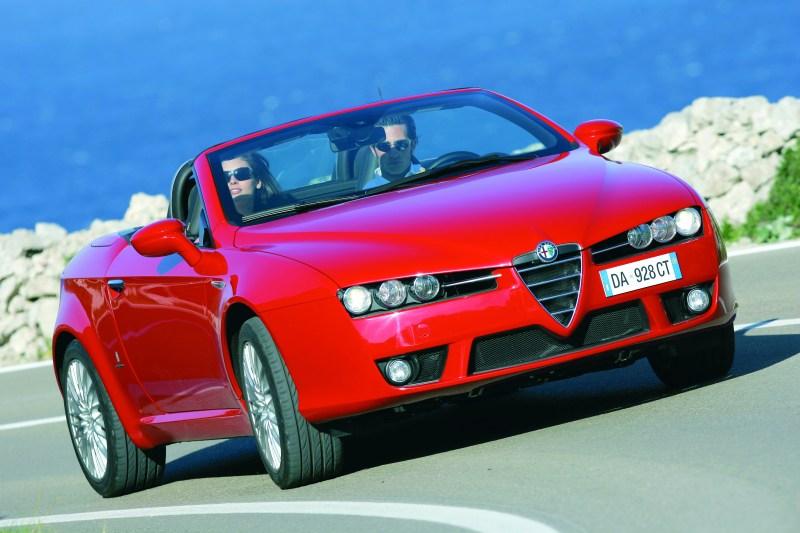 8559e8517 Nová Alfa Spider bola, ako vozidlo odvodené od modelu Brera, vyvinutá  firmou Pininfarina v spolupráci s Centro Stile Alfa Romeo, a je montovaná v  závode ...